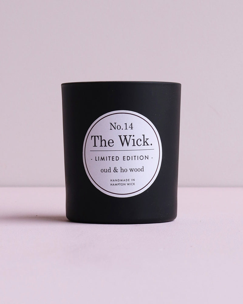 Oud & Ho Wood Soy Wax Scented Candle - Matte Black