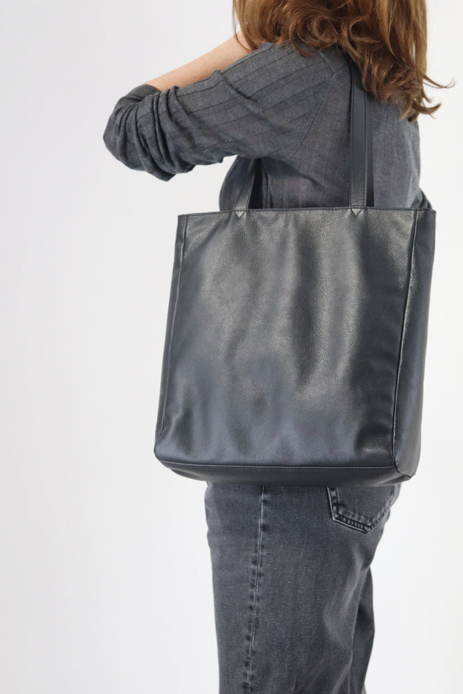 Tote Bag - Black Leather - Ollie & Nic