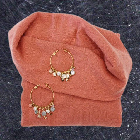 Sienna sweater with earrings