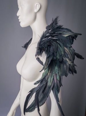Feathered harness with wing shoulders