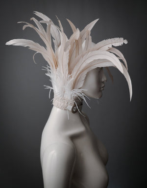 White rooster feather collar / Ivory feather high collar with ostrich fringe