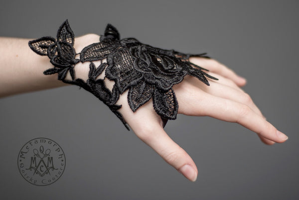 Black Rose fingerless lace glove