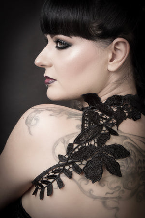 Lace chest harness / Embroidered black lace collar