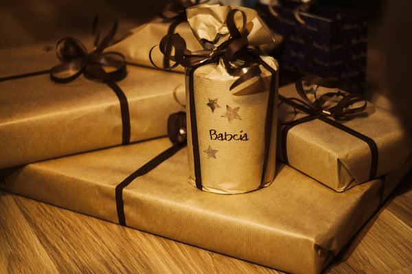 Christmas Gift Wrapping Ideas - www.chocolateandmoredelights.com