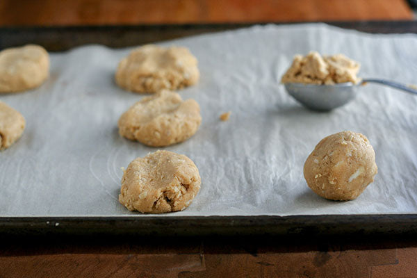 Triple Peanut Butter Sandwich Cookies - scoop it in slightly heaping tablespoon and roll into balls
