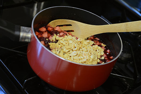 Cranberry Raspberry Relish with Peanuts - stir in the peanuts and thyme