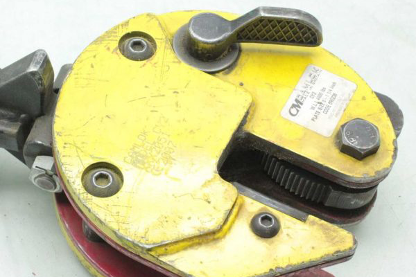 Grid Clamps are the Industrial Equipment offered by MTN Shop EU