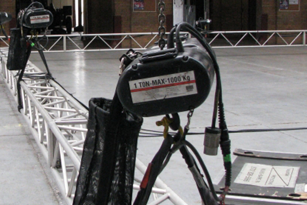 Chain Hoists are the Entertainment Equipment offered by MTN Shop EU. It is an integral part of every live event.