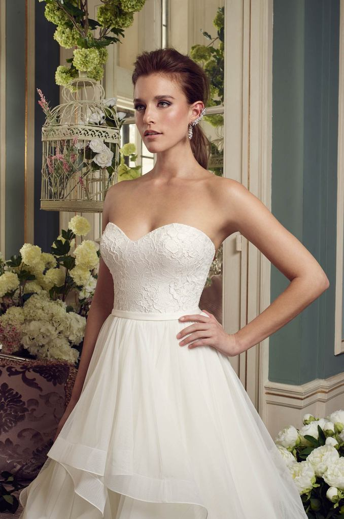 NEW DRESS- 2168 by Mikaella. Size 10.