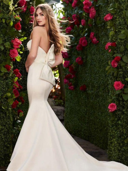 Mikaella - 2267 - Wedding Dress - Novelle Bridal Shop