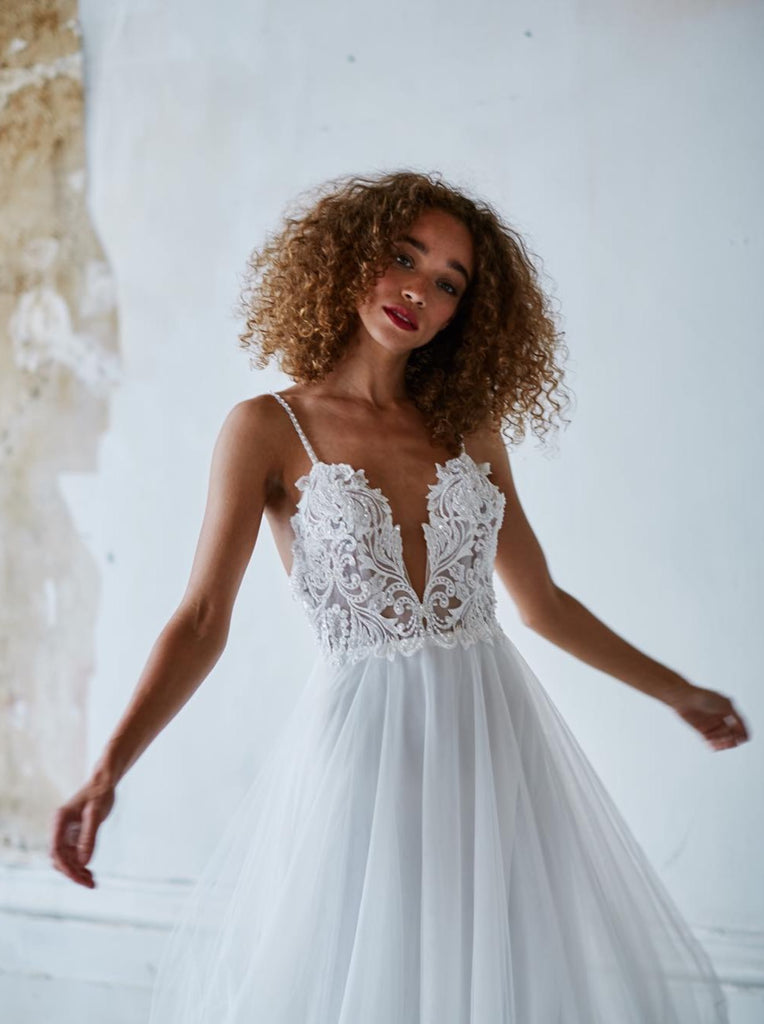 Made with Love - Sienna w/ a Tulle Skirt - Wedding Dress - Novelle Bridal Shop
