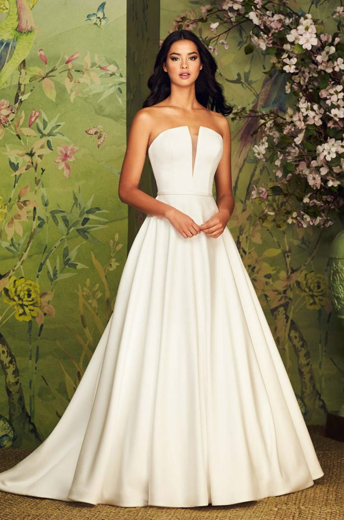 Paloma Blanca - 4888 - Wedding Dress - Novelle Bridal Shop