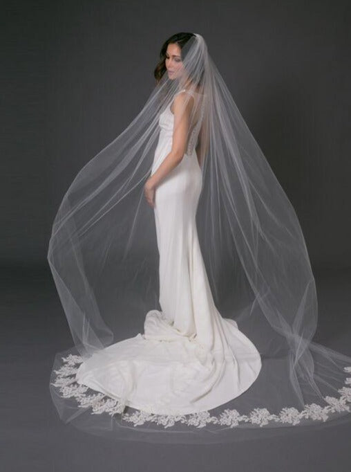 Toni Federici - Marianna Veil - accessories - Novelle Bridal Shop