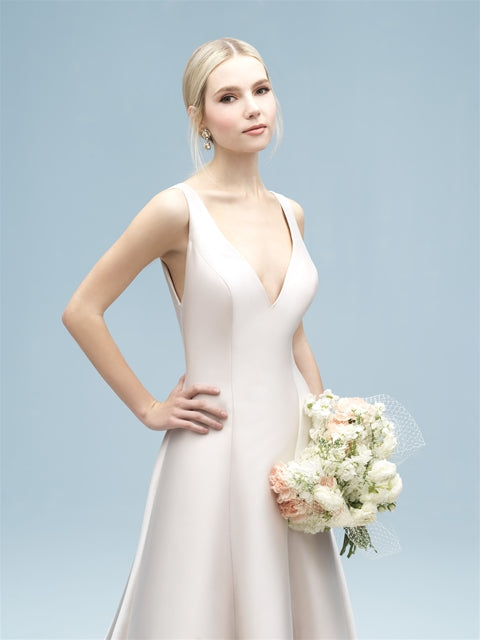 Allure - 9600 - Wedding Dress - Novelle Bridal Shop