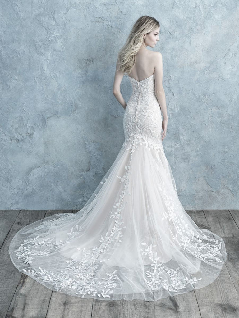 Allure - 9678 - Wedding Dress - Novelle Bridal Shop