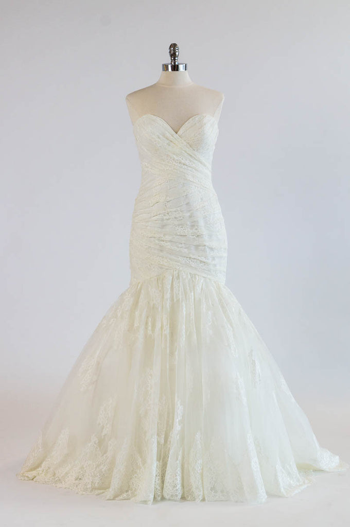 Allure - 9251 - Wedding Dress - Novelle Bridal Shop