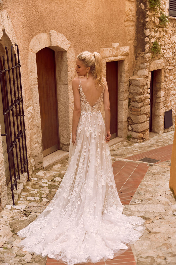 Madi Lane - Harper - Wedding Dress - Novelle Bridal Shop