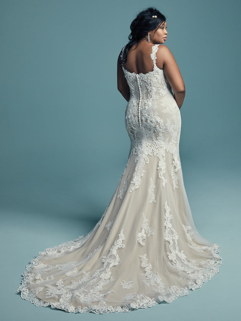 Plus Size Samples - Abbie Lynette - Wedding Dress - Novelle Bridal Shop