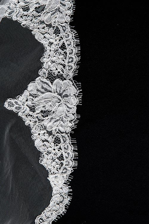 Allin Rae - V3739 Lace Veil - accessories - Novelle Bridal Shop