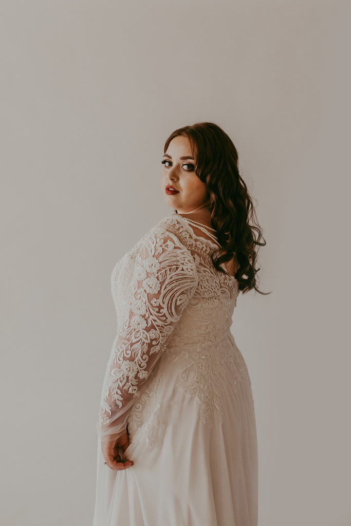 Plus Size Samples - Chloe- Studio Levana - Wedding Dress - Novelle Bridal Shop