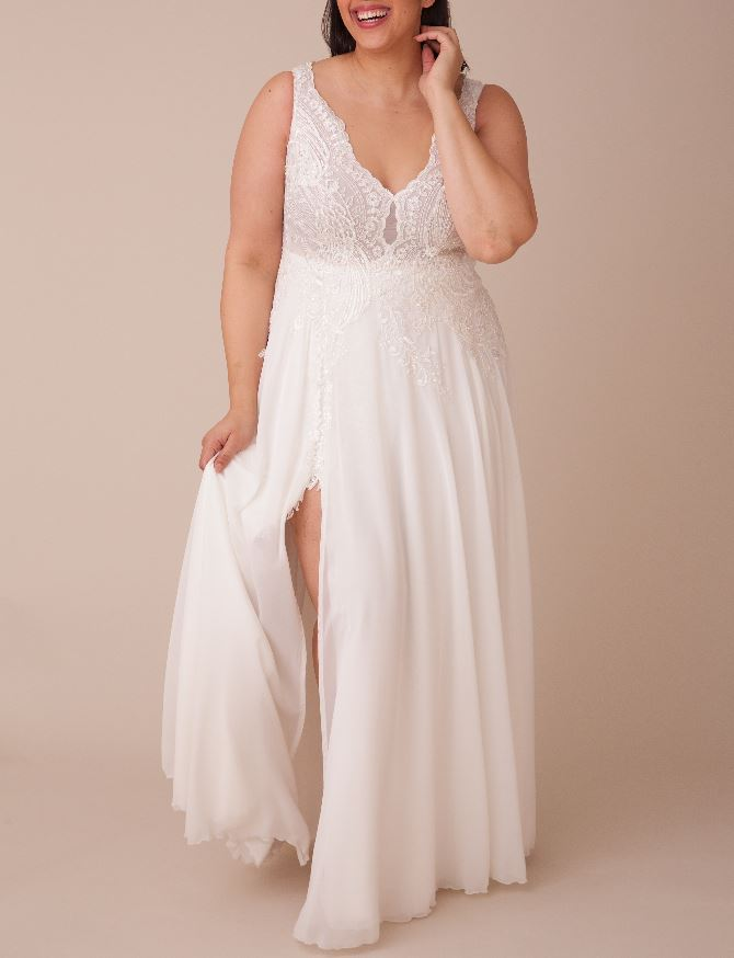 Curve Size Samples - Chloe- Studio Levana - Wedding Dress - Novelle Bridal Shop