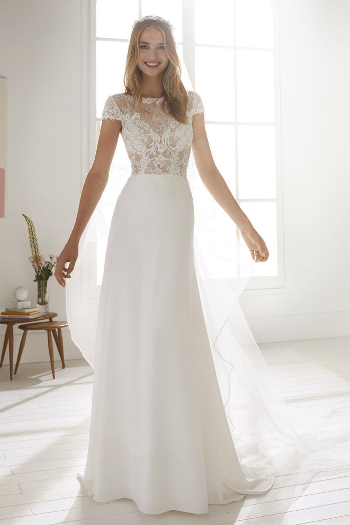 White One - Obre - Wedding Dress - Novelle Bridal Shop