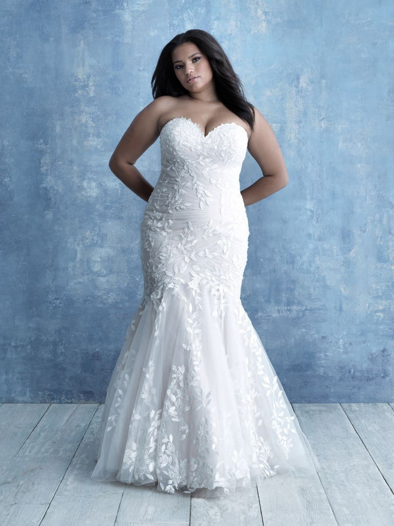 Plus Size Samples - W462- Allure - Wedding Dress - Novelle Bridal Shop