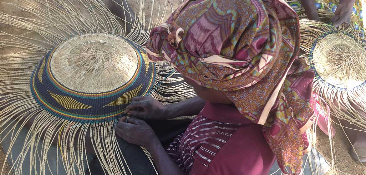 Basket Weaving Process : Technique basket weaving the little market