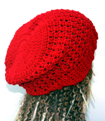 Red slouchy beanie, holly berry red beanie hat, crochet baggy Hat, woman slouchy Christmas red hat