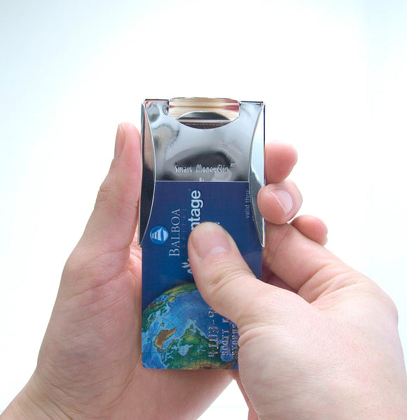sliding credit card out of Smart Money Clip