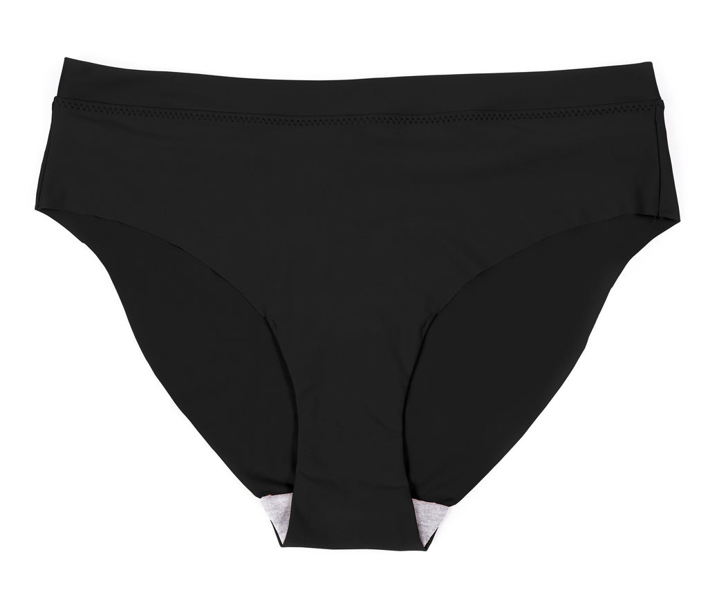 Naomi: Classic Brief in Black