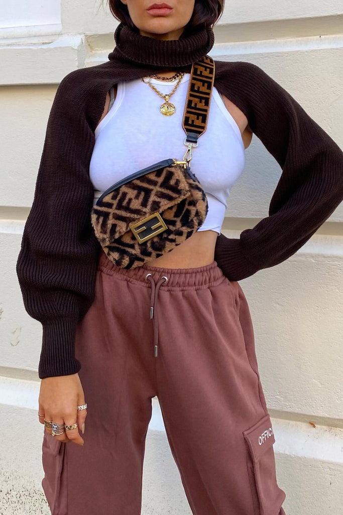 LOOK AND LOVE SWEATER