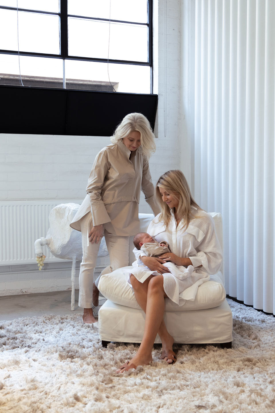 White-Story-Mother's-Day-Campaign-Michele-&-Georgia-Maddern-with-Goldie