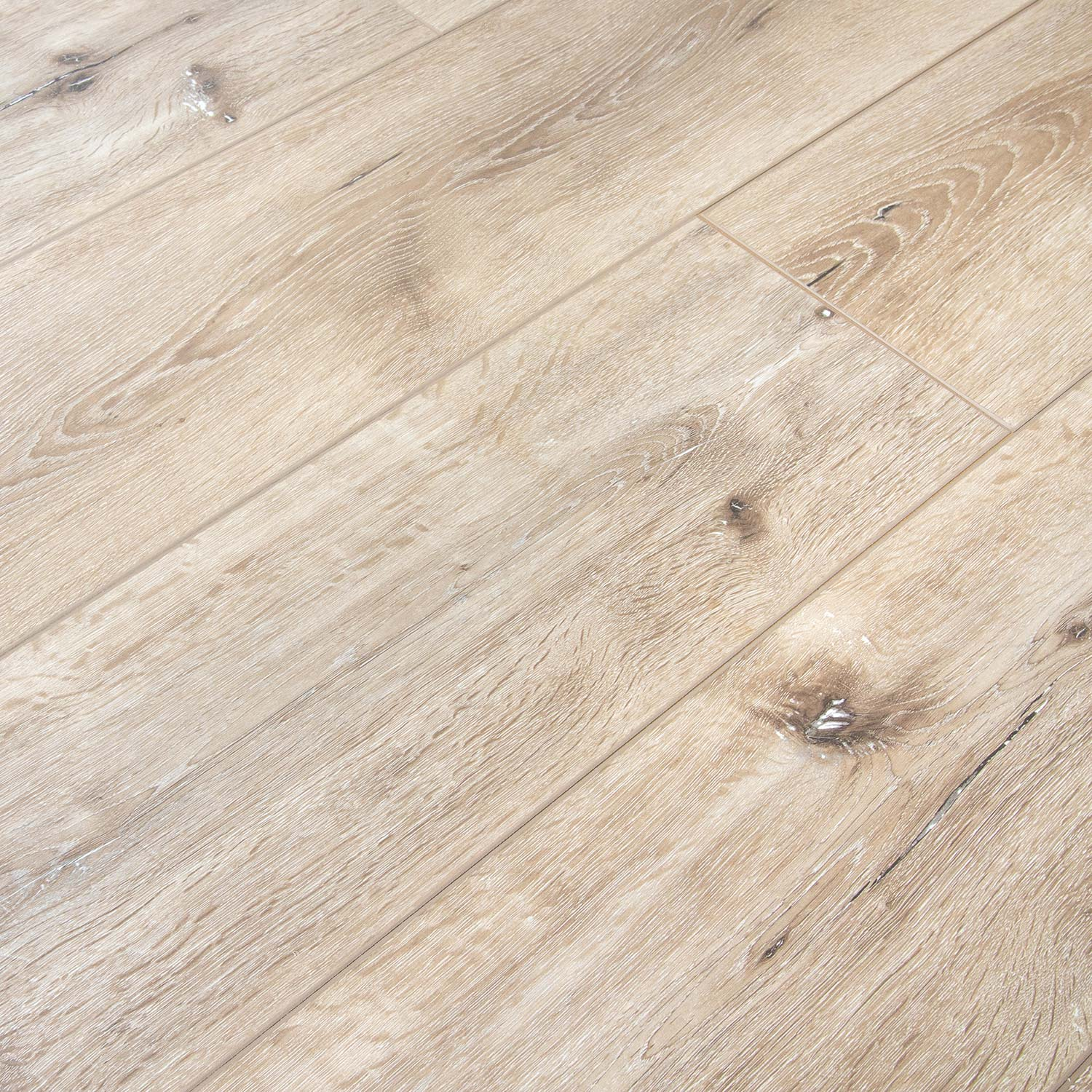 Rustic Chestnut Laminate | AC5 12mm