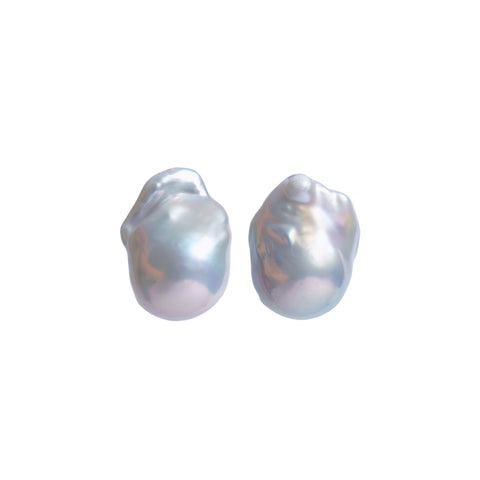 NEBULA LIGHT GREY PEARL EARRINGS