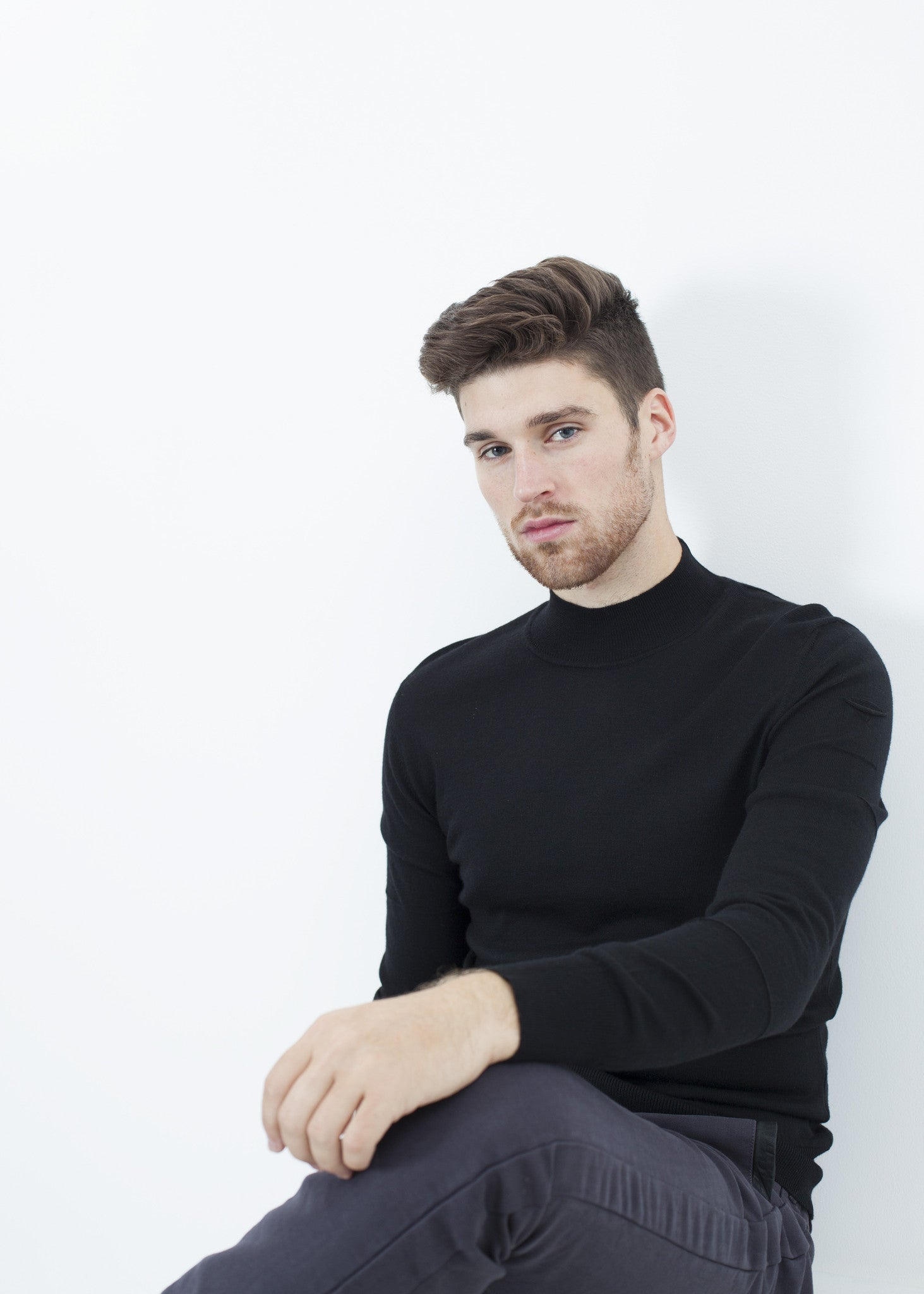 Merino Knit Turtleneck in Black