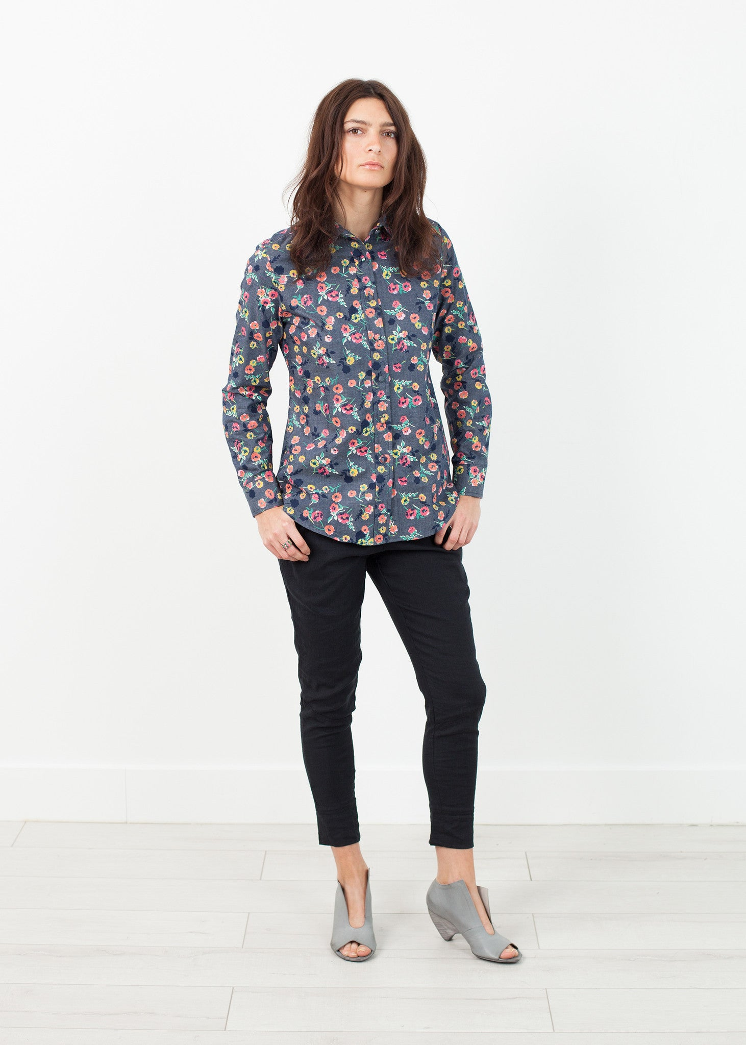 Long Sleeve Blouse in Black/Floral