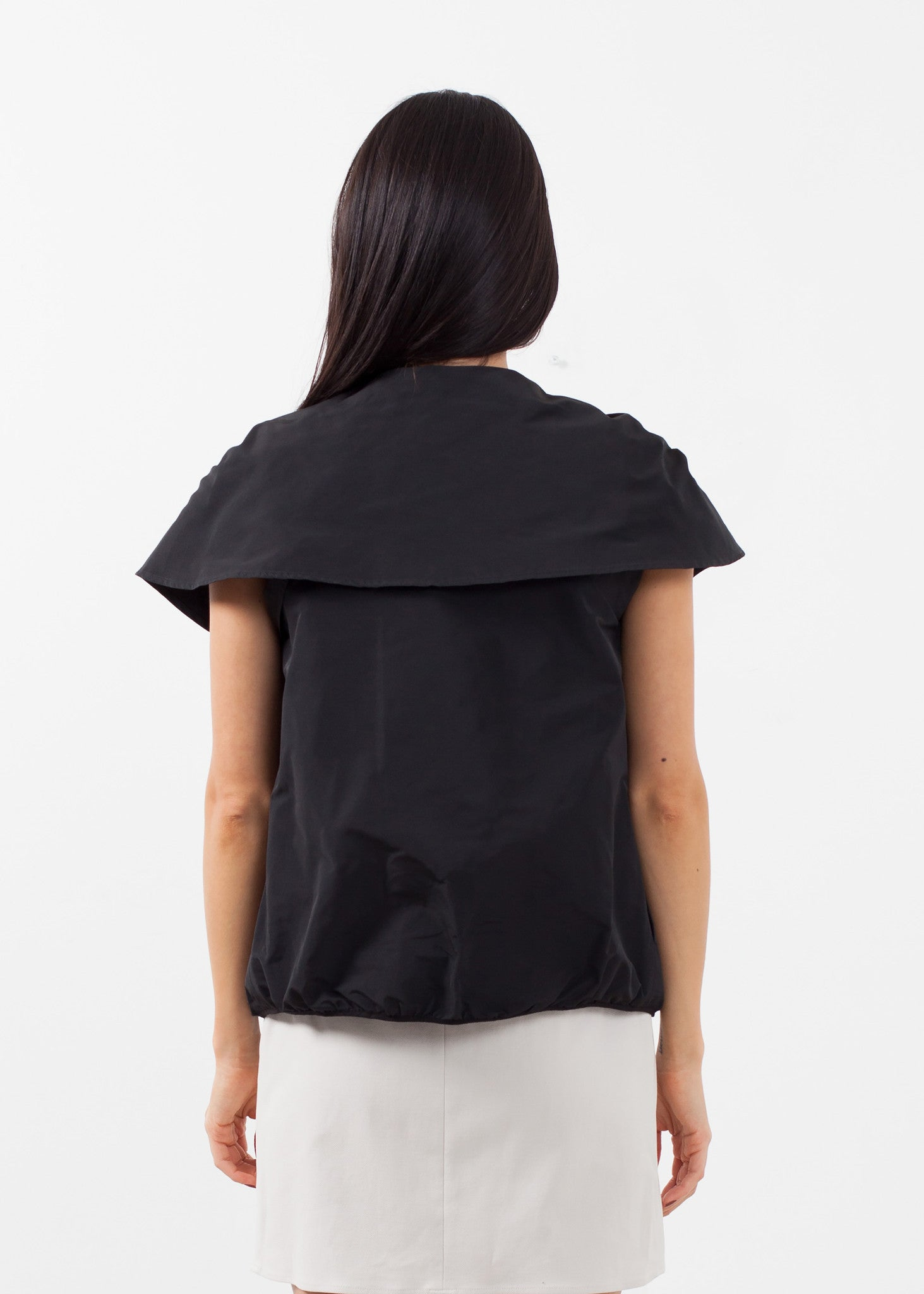Sleeveless Cape Jacket