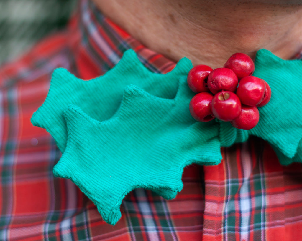 holly bow tie! December's rad tie of the month!
