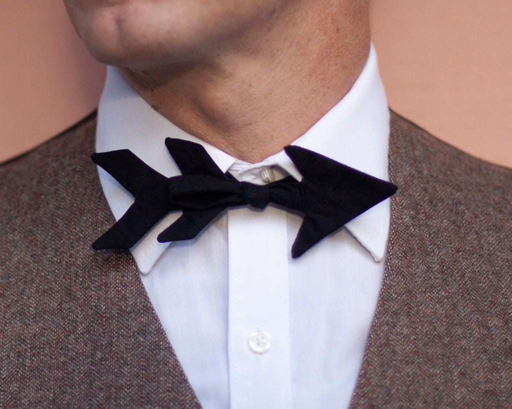 Cupid's arrow bow tie // Valentine's Day bow tie for ladies & gents!