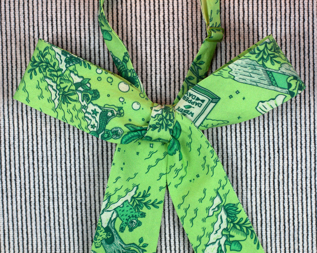 Peter Pan Dapper Day print pussy bow in green
