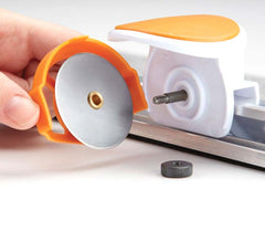 Fiskars Rotary Cutter and Ruler Combo (6