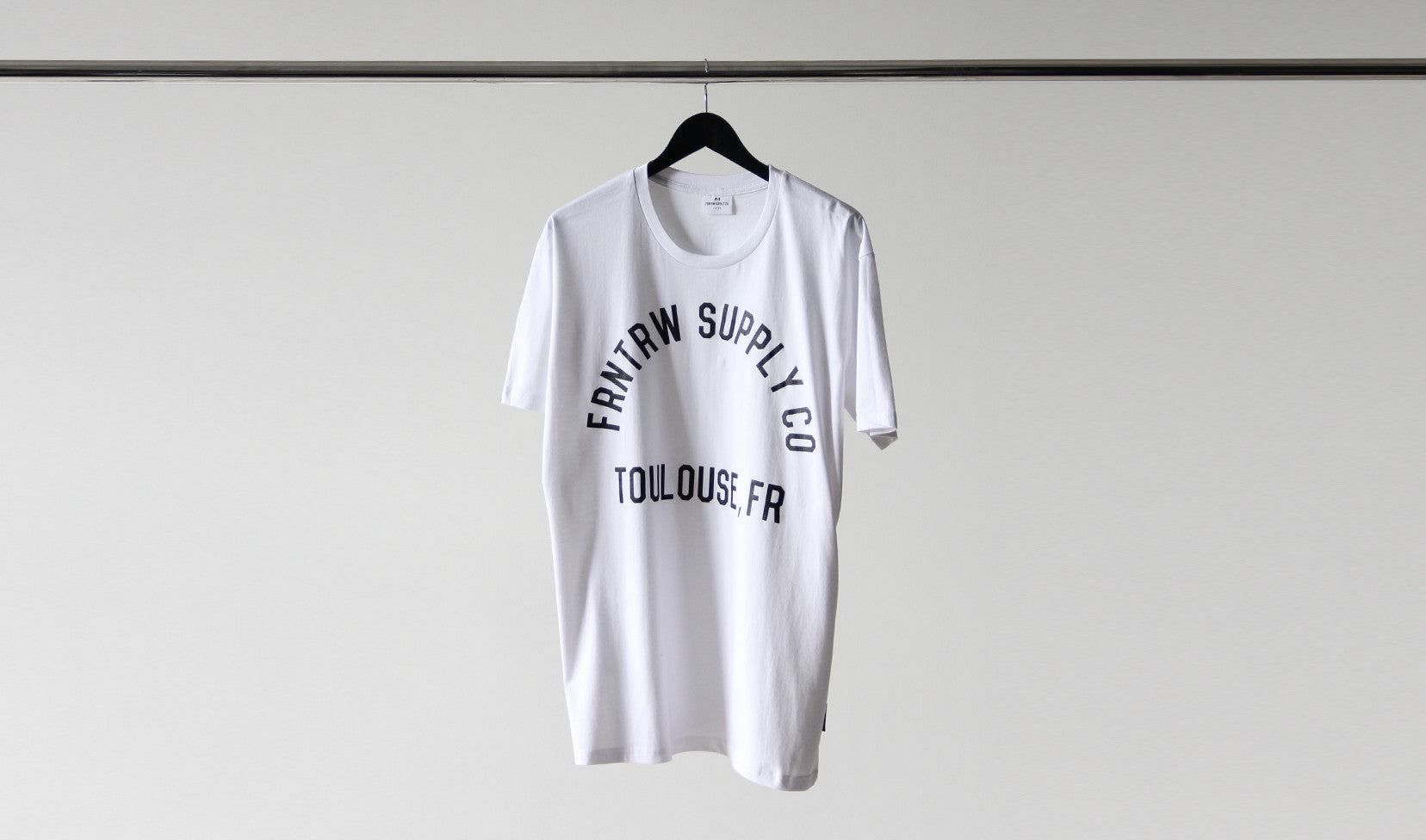 PATCH TEE WHITE
