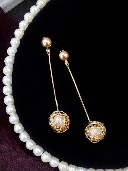 Gold Mesh Pearl Ear Ring