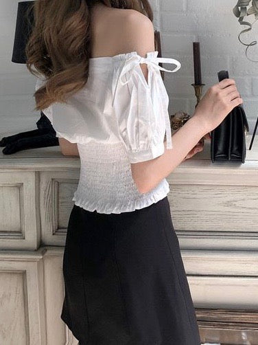 Naia Off-Shoulder Top