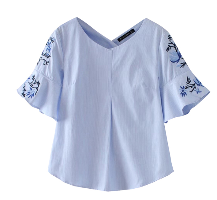 Dayiona Flutter sleeve top