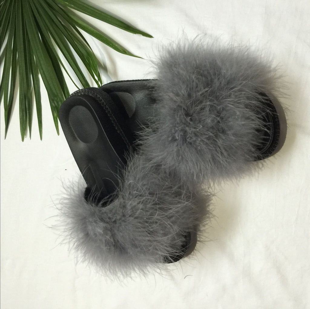 Fluffy slippers (size 36-40)