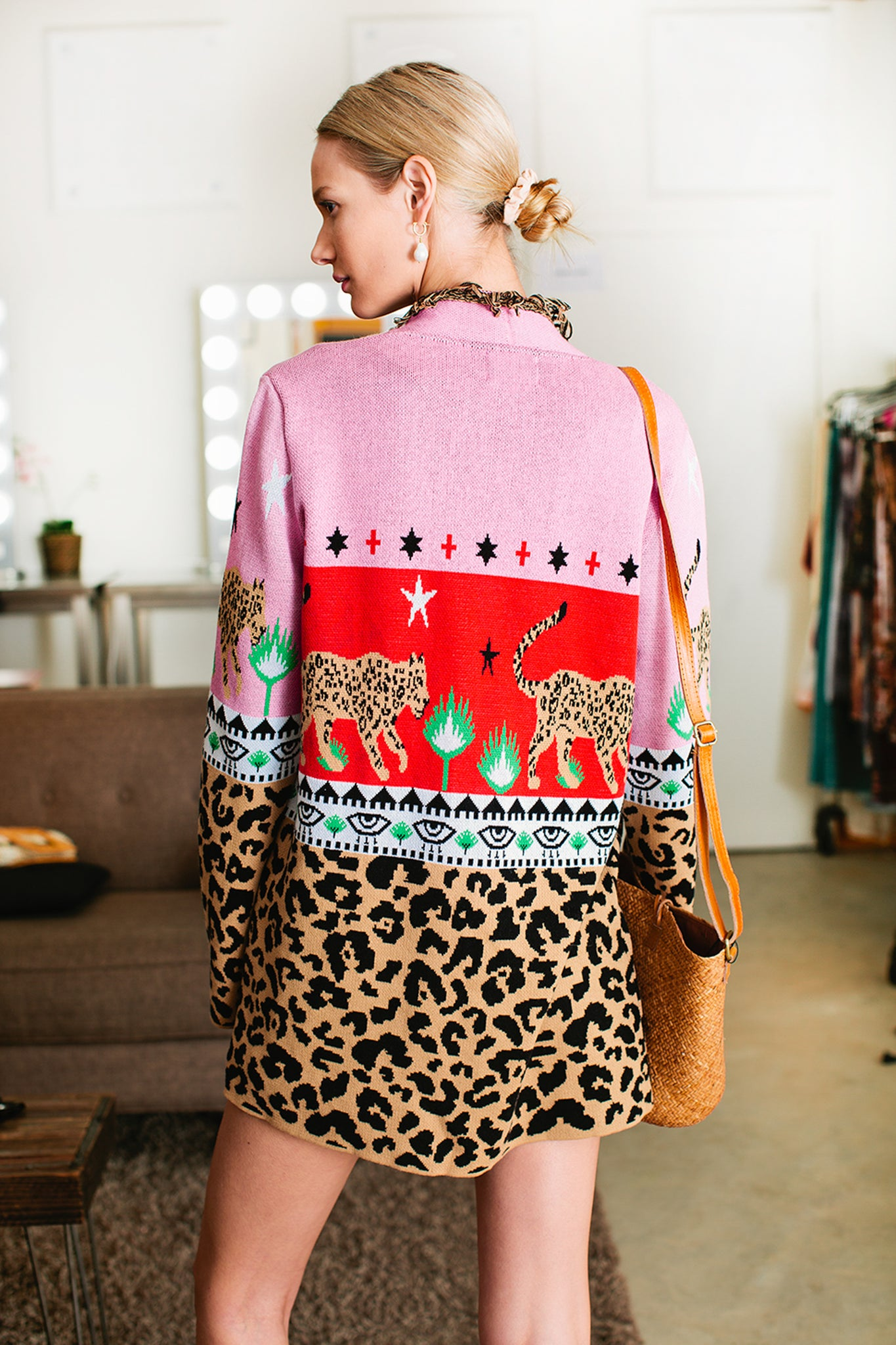 Leopardess Short Cardigan 2
