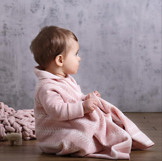 Jujo Baby - Shwrap - Feathered Lines Pink