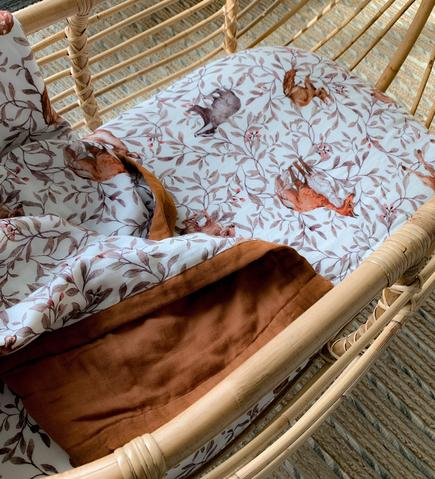 Bassinet Sheet - Organic Creatures of the Woods